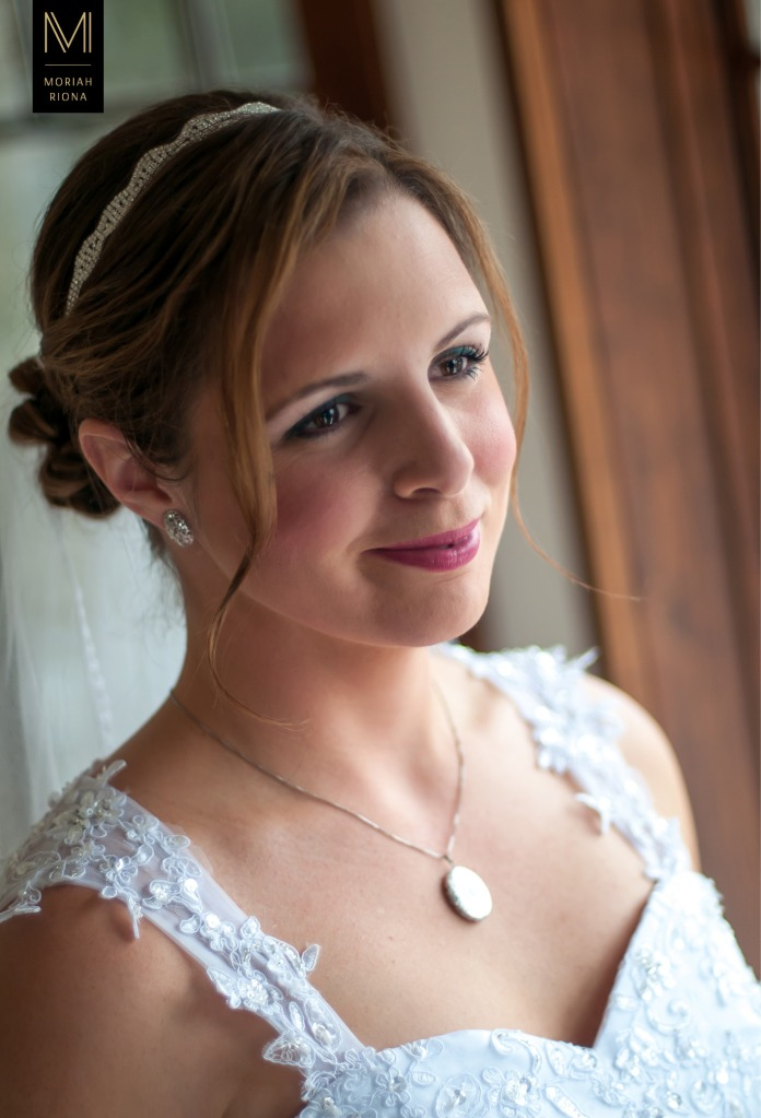 Beautiful bride at Colorado mountain wedding by Moriah Riona