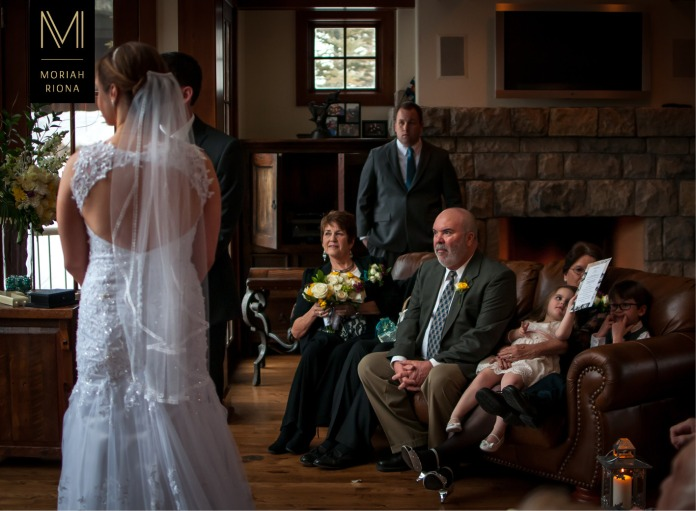 Groom's family watches the ceremony in Vail home | © Moriah Riona, 2016