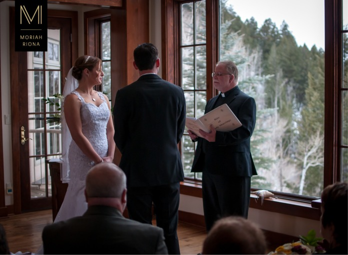 Catholic winter wedding in Vail, Colorado | © Moriah Riona, 2016