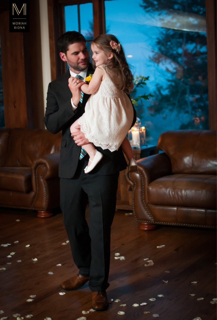 Groom and his daughter | Colorado Springs photographer, Moriah Riona